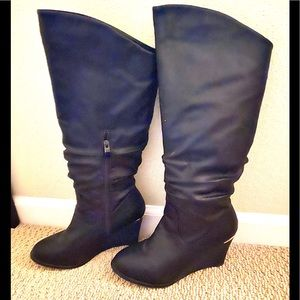 Volatile wedge heel boots vegan leather US 8 NEW